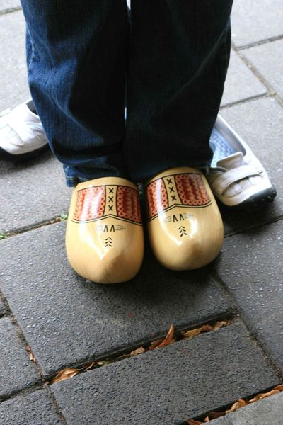 NL_Kimber_wooden shoes_edit_sm