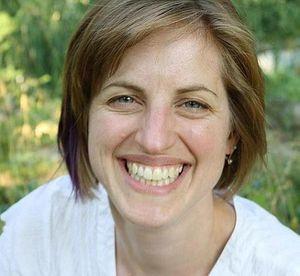 Bio-pic-Sarah Webb