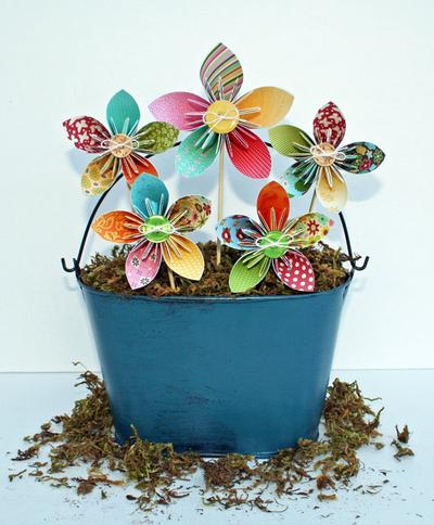 Folded Flower Tutorial_Flowers in Pail