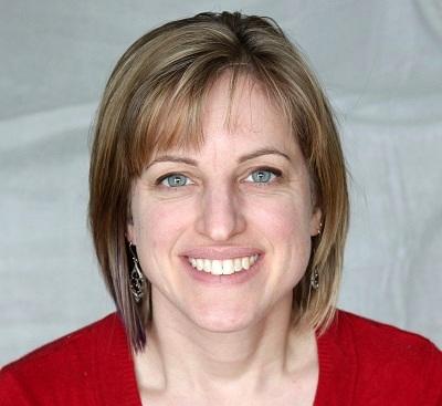 Sarah Webb -headshot