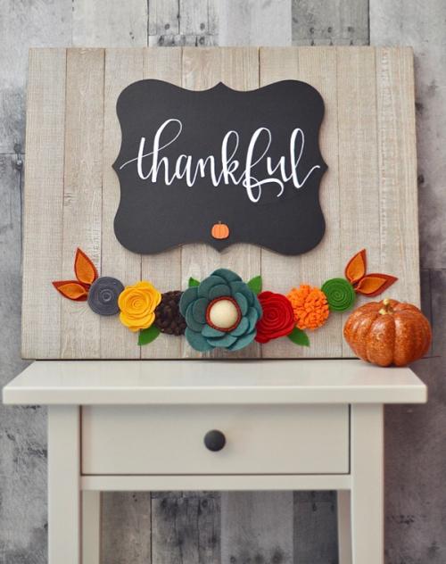 Brandi-Felt Flower Thankful Sign #1