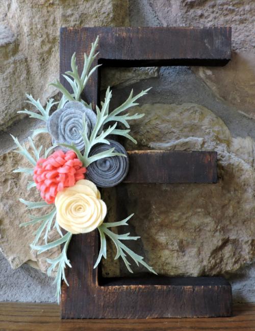 Home decor using Jillibean Soup Mix the Media.  How to create home decor with felt flowers.  Jillibean Soup home decor.  #jillibeansoup #mixthemedia #homedecor #diy #feltflowers
