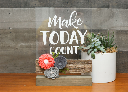 Home decor projects using Mix the Media, acrylic wood stand, cut file and felt flowers.  How to make a diy home decor piece.  #jillibeansoup #mixthemedia #homedecor #acrylicstands #cutfile #feltflower