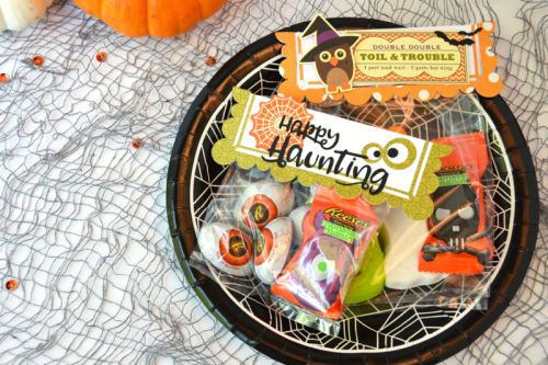 Halloween home decor mix the media projects using a cut file.  How to create halloween home decor with a cut file.  Jillibean Soup home decor.  #jillibeansoup #mixthemedia #cutfile #homedecor #halloween