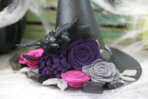 Halloween home decor mix the media project using felt flowers.  How to make home decor with felt flowers.  Jillibean Soup Mix the Media.  #jillibeansoup #mixthemedia #feltflowers #halloween #homedecor #diy