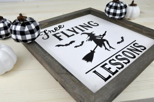 Halloween Farmhouse Vinyl Sign tutorial with Jen Gallacher for Jillibean Soup. Halloween decor tutorial video. #jillibeansoup #mixthemedia #farmhousehalloween #halloweendecor