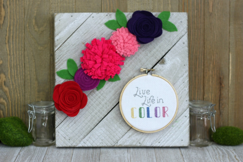 Mix the Media home decor project using Jillibean Soup's whitewash diagonal wood plank and felt flowers.  How to create a home decor project with Mix the Media.  Jillibean Soup Mix the Media.  #jillibeansoup #mixthemedia #homedecor #projects #woodplank #feltflower