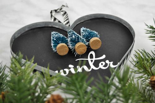 Winter Galvanized Heart by Jen Gallacher using Jillibean Soup's Galvanized Heart. #wintercraft #jillibeansoup #galvanized
