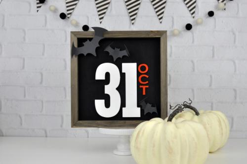 Halloween Farmhouse Sign tutorial. Oct 31 Halloween Sign Video Tutorial by Jen  Gallacher for Jillibean Soup. #Halloweendecor #Halloweencraft #farmhousesign #jillibeansoup