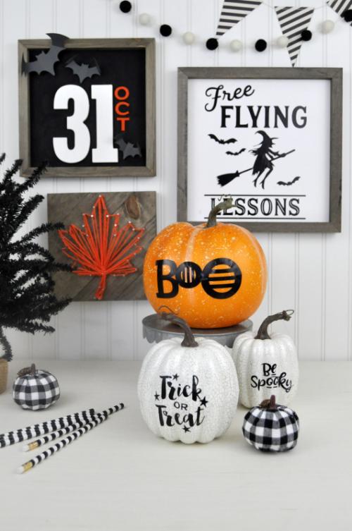 Jillibean Soup Halloween Gallery Wall inspiration by Jen Gallacher for Jillibean Soup. Halloween home decor ideas. #halloween #gallerywall #jillibeansoup #mixthemedia