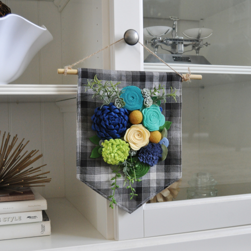 Home decor Mix the Media project using Jillibean Soup's felt flowers.  How to make a home decor project with Mix the Media.  Jillibean Soup Mix the Media.  #jillibeansoup #mixthemedia #homedecor #project #feltflowers