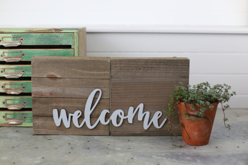 "Jillibean Soup ""welcome"" wooden sign with Mix the Media plank and galvanized sign word. #jillibeansoup #galvanized #woodensign #farmhousedecoration"