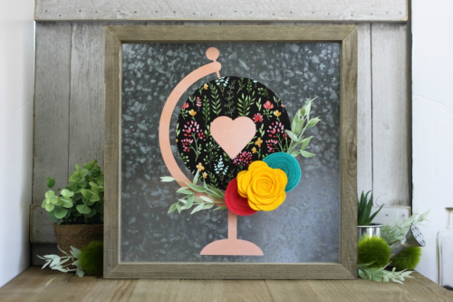 Home decor mix the media project using Jillibean Soup's galvanized frame and felt flowers.  How to create a home decor project with mix the media.  Jillibean Soup Mix the Media.  #jillibeansoup #mixthemedia #homedecor #project #galvanizedframe #feltflowers