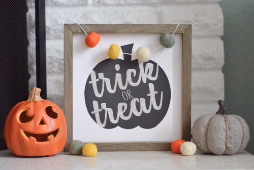 Trick or Treat Halloween Sign. Silhouette die cut shape. Halloween decorations. #DIYhalloween #halloweencraft #cutfile #jillibeansoup #mixthemedia