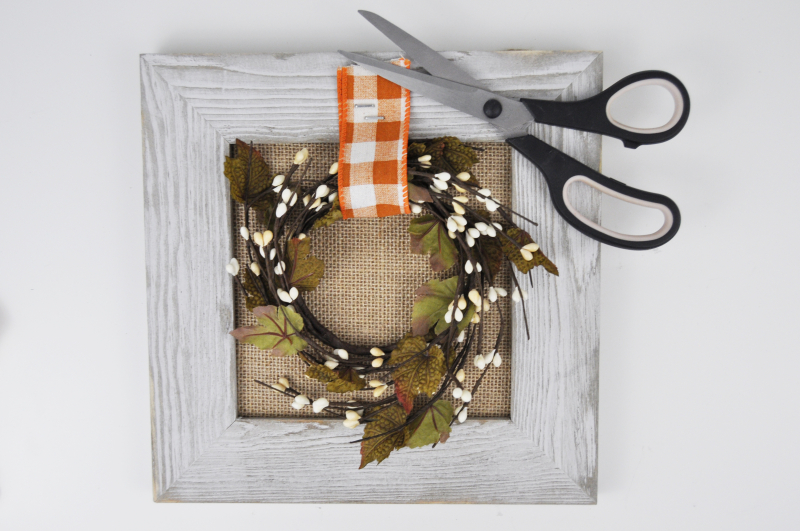 Autumn Barn Wreath Sign Step 2