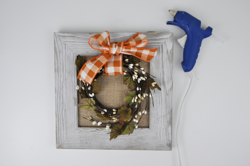Autumn Barn Wreath Sign Step 3
