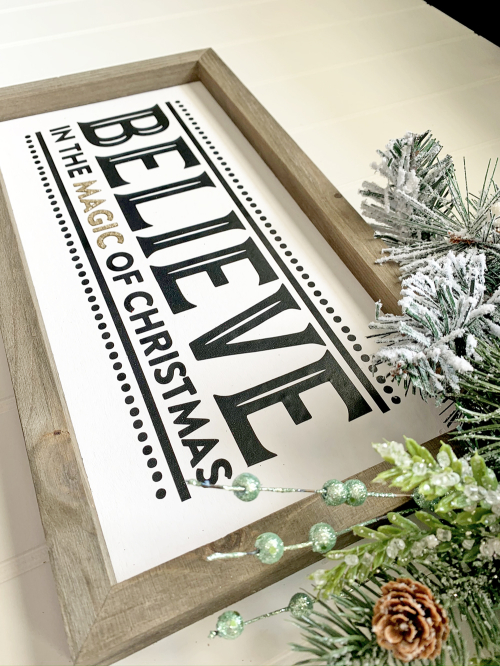 Christmas home decor mix the media project using Jillibean Soup's cut file and a 6x10 wood plank.  Christmas Mix the Media Project.  Jillibean Soup Mix the Media.  #jillibeansoup #mixthemedia #homedecor #project #christmas #cutfile #woodplank