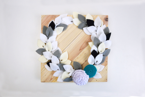 Home decor mix the media project using Jillibean Soup's 10x10 pine wood plank, family galvanized word, felt flowers and alphabeans.  Winter Mix the Media Project.  Jillibean Soup Mix the Media.  #jillibeansoup #homedecor #mixthemedia #project #woodplank #galvanizedword #feltflowers