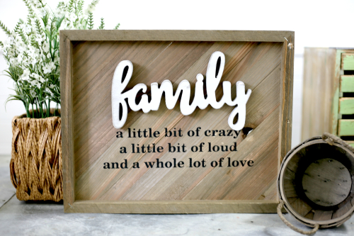 Family Plank Sign with wooden word and vinyl phrase by Jill for Jillibean Soup. #mixthemedia #vinyl #jillibeansoup
