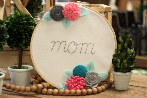 Mother's Day Gift Idea using an embroidery hoop and felt flowers by Patty Folcher for www.jillibeansoup. #embroideryhoop #mothersday #jillibeansoup