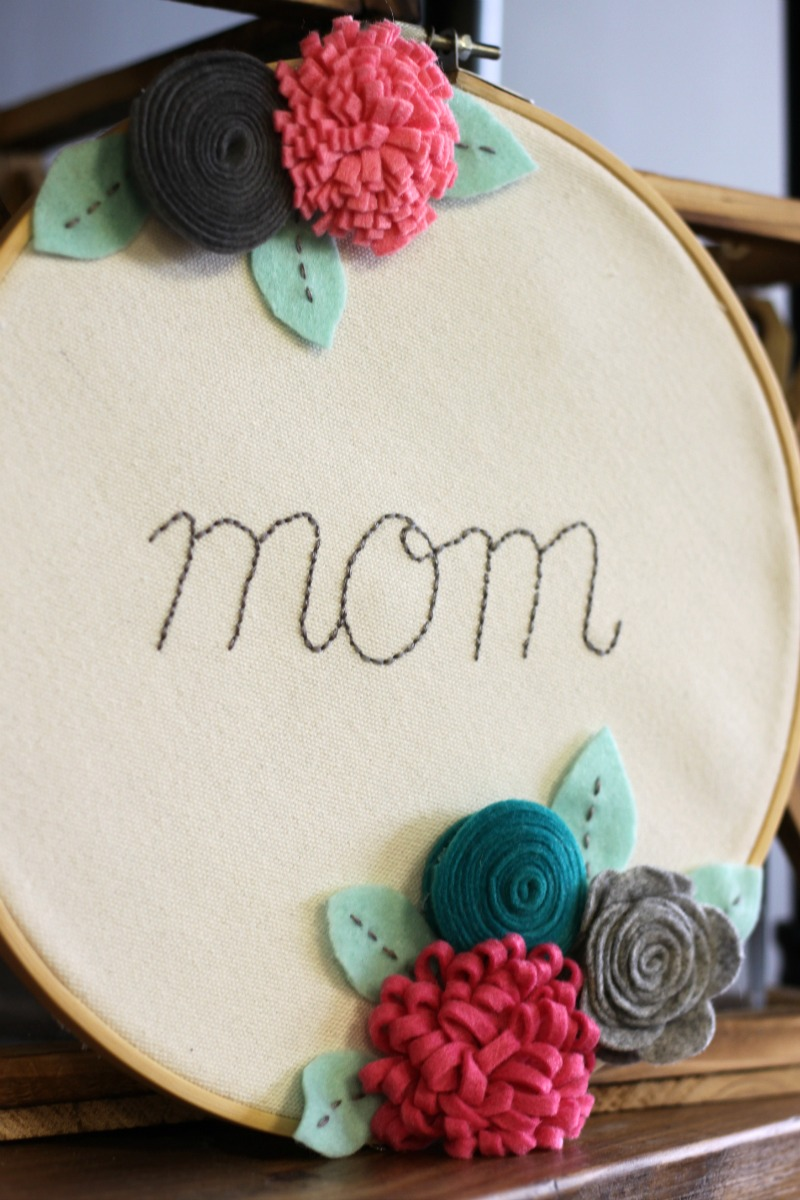 Jillibean Soup-Patty Folchert-Mix the Media-Mom Felt Flower Hoop detail_03-20