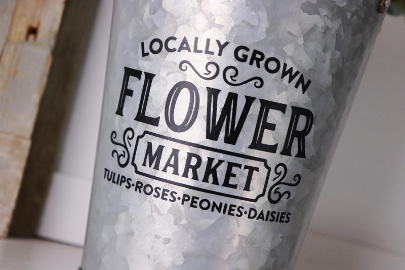 Jaclyn_FlowerMarket_MixtheMedia_detail