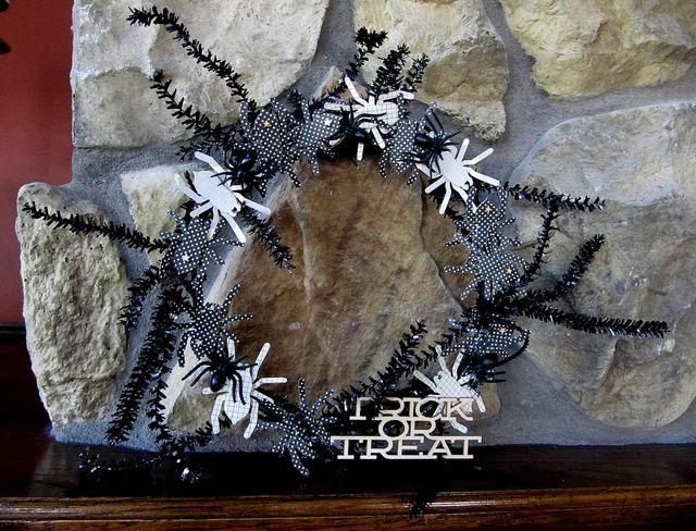 Project-Jen-Trick or Treat Wreath